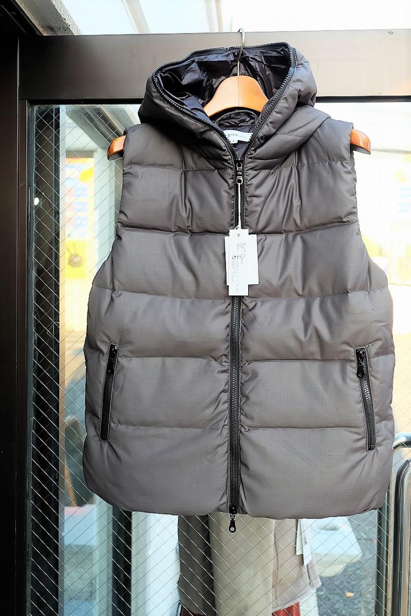 バックからの冬ファッションimege