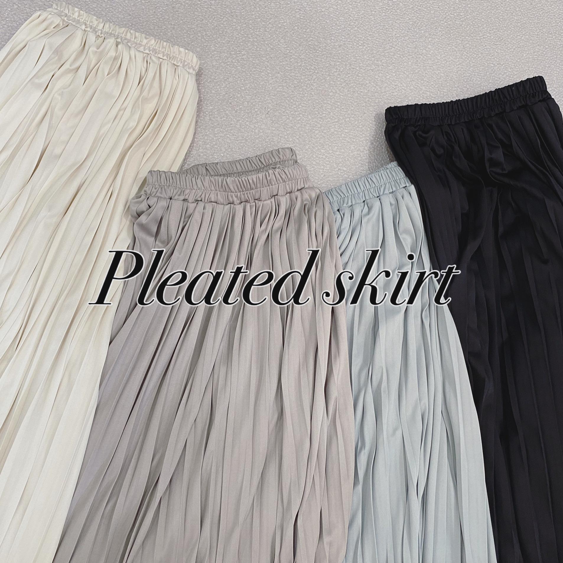 インナーにしておくのはもったいないくらい履きこめるスカート。
